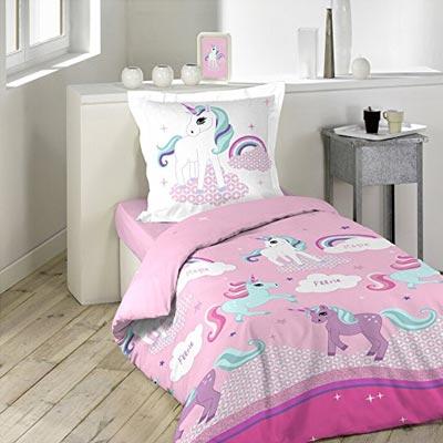 Süße rosane Bettwäsche mit kleinen Einhörnern